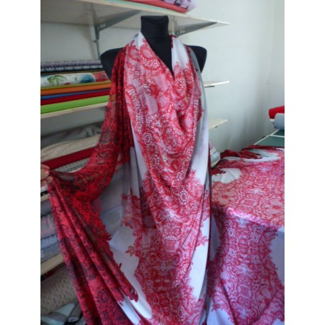 Letní šatovka s potiskem krajky - červená